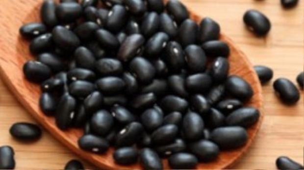 Đậu đen giàu vitamin và chất xơ.