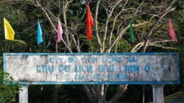 Ngoài ra ở gần đảo ó còn có Thủy điện Trị An, Chiến khu D … là những địa danh đáng để khám phá.
