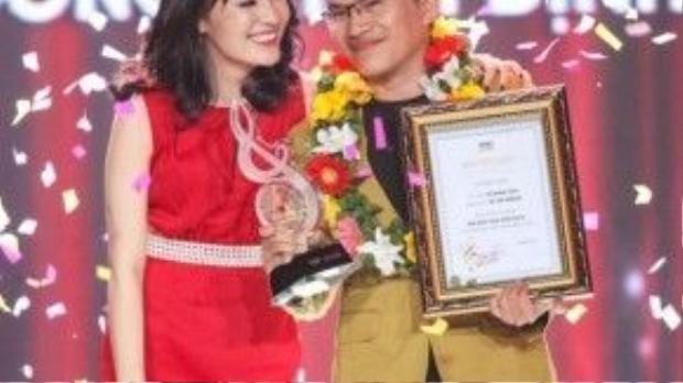 Giải thưởngBài hát của nămdành choVề với đôngcủa tác giả Vũ Minh Tâm. Nhật Thủy nhận giảiCa sĩ thể hiện hiệu quả nhất. Đây cũng là giải thưởng cuối cùng của chương trìnhBài hát Việtsau 11 năm hình thành và phát triển.