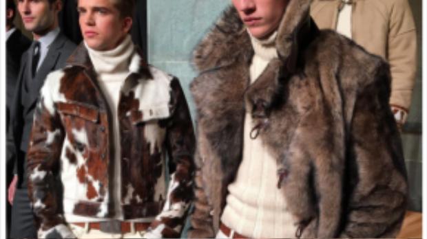 Jacob Gallagher có rất nhiều kiến thức về đồ nam giới, vì vậy bạn không nên bỏ qua tài khoản instagram này. Anh chàng luôn cập nhật những xu hướng mới và thịnh hành nhất cho mỗi mùa fashion week.