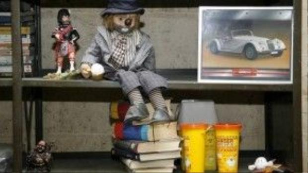Sách cũng thường bị chủ nhân đãng trí bỏ quên lại trên ghế.