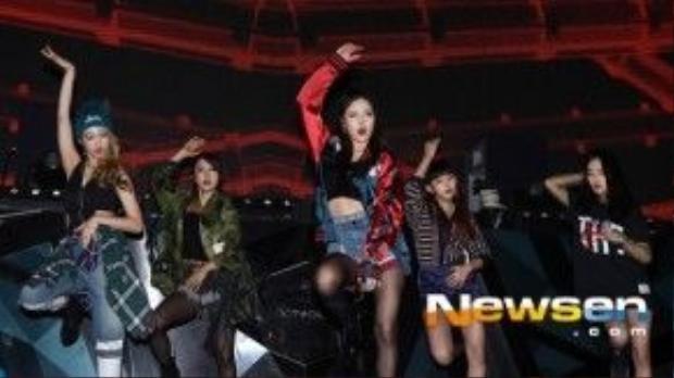 Hôm 1/ 2, nhóm nhạc 4minute tổ chức buổi diễn ra mắt mini album thứ 7 Act.7 tại hộp đêm Octagon, Gangnam, Seoul. 5 thành viên mang đến những màn trình diễn sôi động trong trang phục mạnh mẽ, gợi cảm.