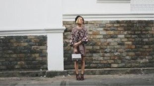 Đa số những thiết kế của Yumi đều có dáng over size nên dù bạn gầy hay béo đều diện đẹp với phong cách này.