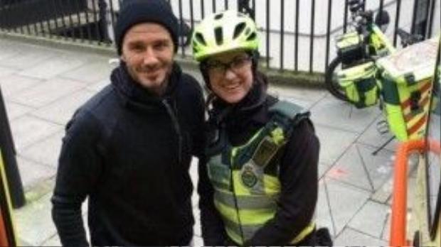 David Beckham và nữ phụ tá Catherine Maynard - người được anh mời cà phê khi tình cờ gặp trên phố.