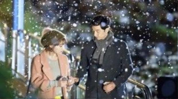 """Khoảnh khắc ngọt ngào vào một ngày mùa đông của Seo Yoon Jae (Gong Yoo) và Gil Da Ran (Lee Min Jung) trong drama """"Big"""" (Hoán đổi linh hồn) đã làm cho không ít người hâm mộ phải ghen tị."""