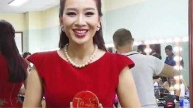 Hoa hậu quý bà Thu Hương: Tết này tôi ước mỗi gia đình đều bình an, trẻ nhỏ an vui, nhà nhà hạnh phúc…