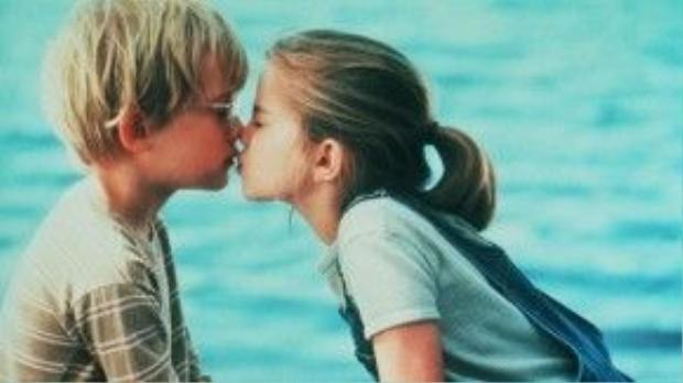 Macaulay Culkin và Anna Chlumsky trong My Girl.