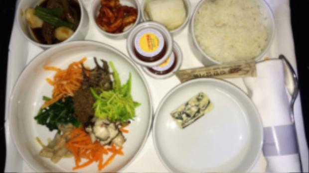 Và món cơm trộn nổi tiếng Hàn Quốc bibimbap sẽ được phục vụ trên ghế hạng thương gia.