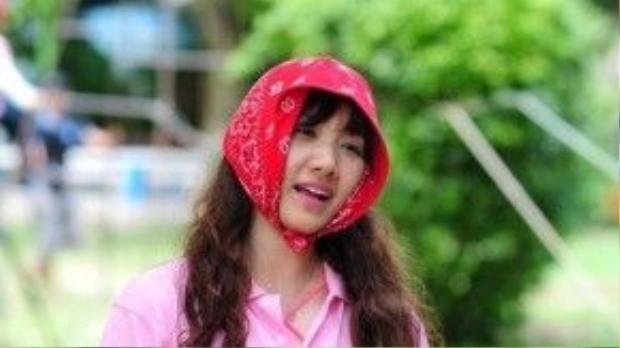 Ngay từ những ngày đầu bước chân vào làng giải trí, mĩ nhân gốc Hàn đã khẳng định bản thân là tín đồ của màu hồng nữ tính, ngọt ngào.