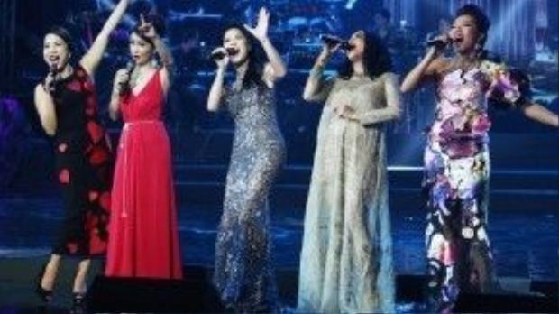 Thu Phương hội tụ 4 diva trên sân khấu.