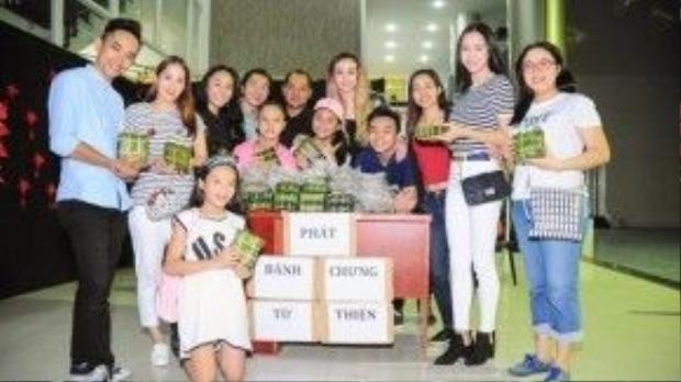 Tham gia cùng Khánh Thi, MLee, Vũ Ngọc Anh còn có rất đông các bạn trẻ.