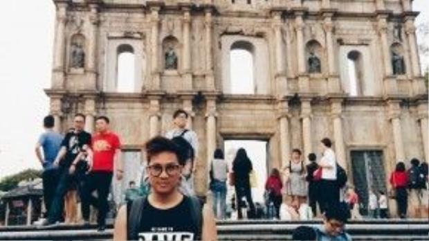 """Tự nhận là đôi chân… hay đi, Duy Nguyễn tận dụng dịp Tết nguyên đán xin nghỉ phép và làm một chuyến du lịch cùng bạn bè. Theo anh chàng """"Tết nên đi du lịch vì trong năm không xin nghỉ quá nhiều ngày được""""."""