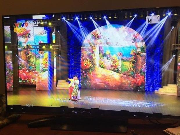 Hoàng Thùy Linh hạnh phúc khi hát trên sóng VTV ngày mùng 1 Tết