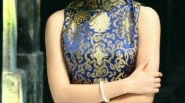 Lưu Diệc Phi xinh đẹp sang trọngvới mái tóc tết sát đầu đầy tinh tế.