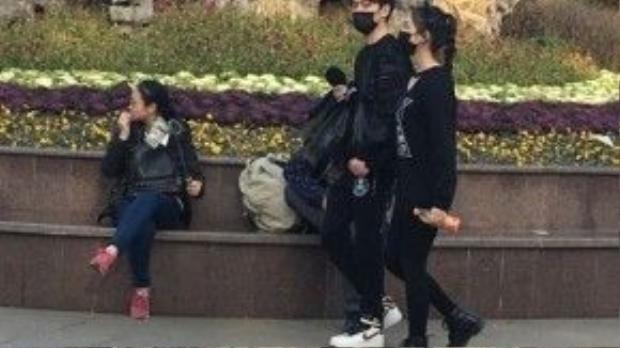 Lâm Duẫn và Phùng Thiệu Phong tình cảm xuất hiện tại Thượng Hải trong ngày 9/2.