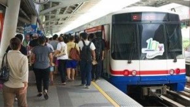 Tàu điện ngầm ở Bangkok.