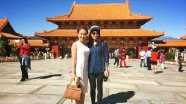 """Uyên Linh có chuyến du xuân tại California, Hoa Kỳ cùng nữ ca sĩ """"Bản nguyên"""" Hà Trần."""