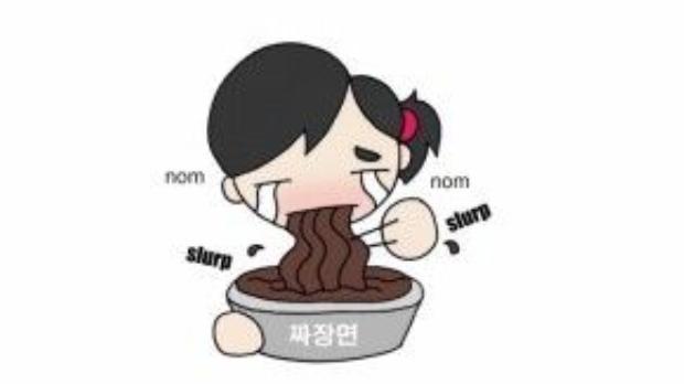 Người độc thân Hàn Quốc ăn mỳ đen trong ngày… Đen.
