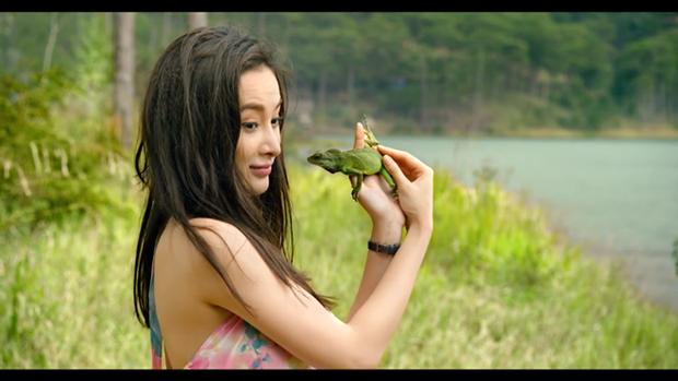Angela Phương Trinh đa phong cách, hớp hồn Trường Giang trong trailer phim mới