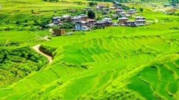 Đất nước xinh đẹp trên dãy Himalaya này khá tách biệt với thế giới bên ngoài bởi thông tin liên lạc ít và hạn chế. Ảnh: Vnexpress