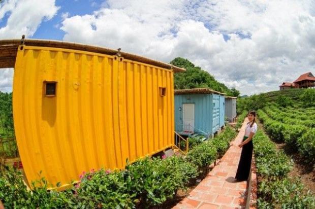 Ngỡ ngàng với loạt container đa sắc giữa đồi chè Mộc Châu xanh ngát