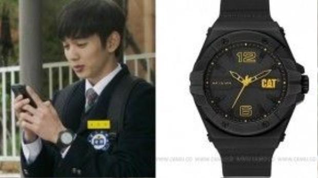 Đồng hồ hiệu CATERPILLAR Giá: 115,000 won (~ 2 triệu đồng)