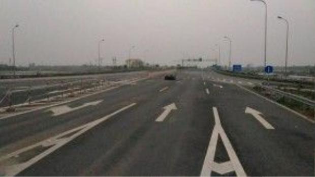 Đoạn đường cao tốc Ninh Bình - Hà Nội được cho là bối cảnh của Fast 8. Ảnh: Việt Hùng