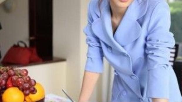 Sự thành công của bộ phim một phần nhờ vào sự giúp sức âm thầm ở hậu trường của stylist Lê Minh Ngọc. Bộ đầm màu xanh Diễm My sử dụng trong vài phân cảnh là thiết kế của Đỗ Mạnh Cường.