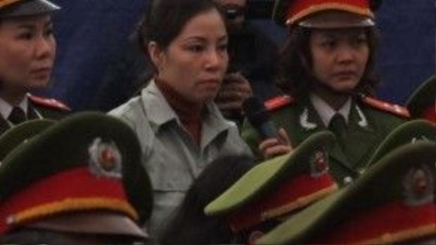 Nguyễn Thị Huệ trong phiên tòa phúc thẩm vụ án mua bán trái phép ma túy.