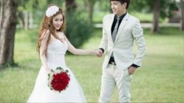 Sau khi bị lộ ảnh hôn lễ, cả hai đã lên tiếng xác nhận đám cưới là có thật.