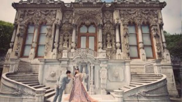 Những lâu đài cổ nơi đây như tô thêm sắc cho tình yêu đôi lứa được trường tồn, vĩnh cửu. Ảnh: David from A.X.