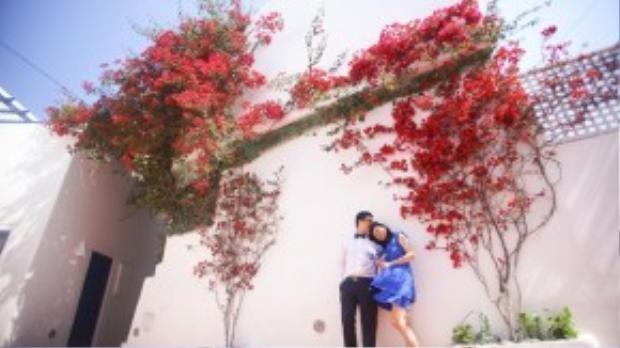 Trước đó, một cặp đôi Việt - anh Trung và chị Hoa - đã từng chi hơn 20.000 đô la Mỹ để thực hiện bộ ảnh tại Santorini. Dù tốn kém nhưng khi thành phẩm được ra lò, ai ai cũng phải công nhận Santorini quả thực là chốn thiên đường ghi dấu hạnh phúc cho các cặp uyên ương.