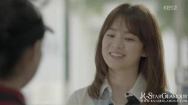 Cô thích những đôi khuyên tai có kích thước nhỏ nhắn và xinh xắn hơn nên được sử dụng đồng loạt trong phim.