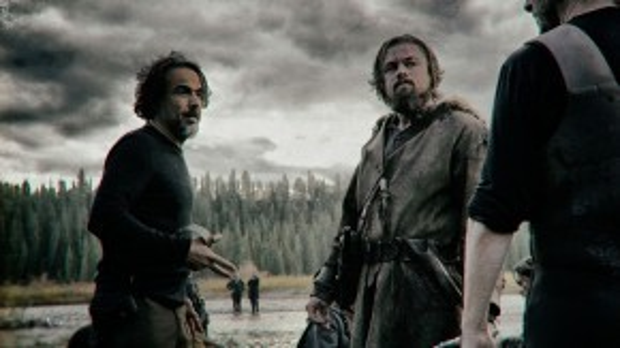 Đạo diễn Iñárritu hướng dẫn Leo trên trường quay