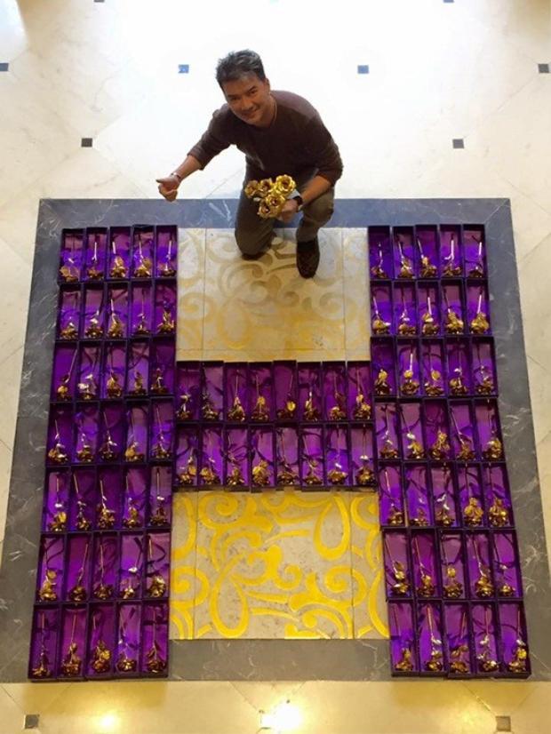 Mr. Đàm sẽ tặng 200 bông hồng vàng cho fan nữ tới xem anh hát