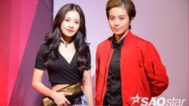 Cùng với Chi Pu, cặp đôi gây thu hút sự chú ý của ống kính truyền thông.
