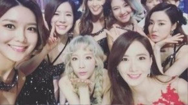 """SNSD cũng bất ngờ bị """"gọi hồn"""". Cư dân mạng cho rằng nhóm nhạc quốc dân này chỉ có 3 thành viên Taeyeon, Tiffany và Seohyun xứng đáng được công nhận tài năng."""