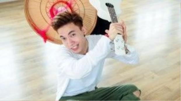 Bạn nhảy hào hứng góp vui bằng những điệu múa đậm chất Việt Nam.
