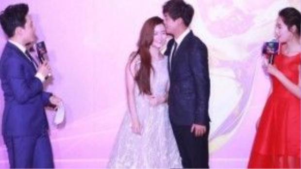 Lý Gia Hàng và Lý Thạnh tình cảm. Đây là lần hiếm hoi cặp đôi Tân Hoàn Châu cách cách xuất hiện.