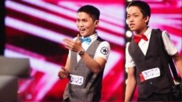 Hai anh em Bùi Văn Lam - Bùi Văn Đức Lợi đã mang đến sân khấu Got talent hai tiết mục ảo thuật đơn giản nhưng hiệu quả, gây xúc động mạnh cho khán giả và khiến giám khảo Trấn Thành rơi nước mắt.