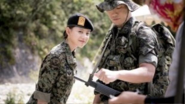 """Những khoảnh khắc gây mê khán giả của """"mỹ nữ quân nhân"""" Myung Joo."""