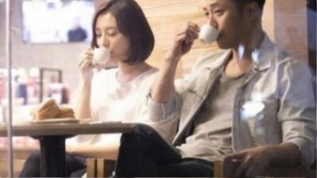 Phân cảnh hiếm hoi khi cặp đôi giản dị hẹn hò cùng nhau.