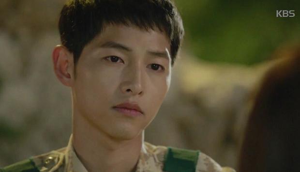 Tỏ tình hụt, Song Joong Ki về nước hẹn hò chiến hữu Jin Goo