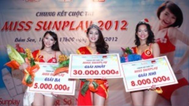 Cũng trong năm 2012, Quỳnh Mai tham dự một cuộc thi tìm kiếm gương mặt đại diện cho một nhãn hàng. Cô cũng xuất sắc giành được giải nhì chung cuộc.