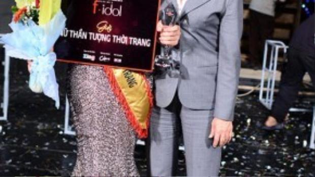 Cũng trong năm này, cô đăng quang ngôi vị cao nhất Nữ thần tượng Thời trang - Quán quân F-Idol 2012.