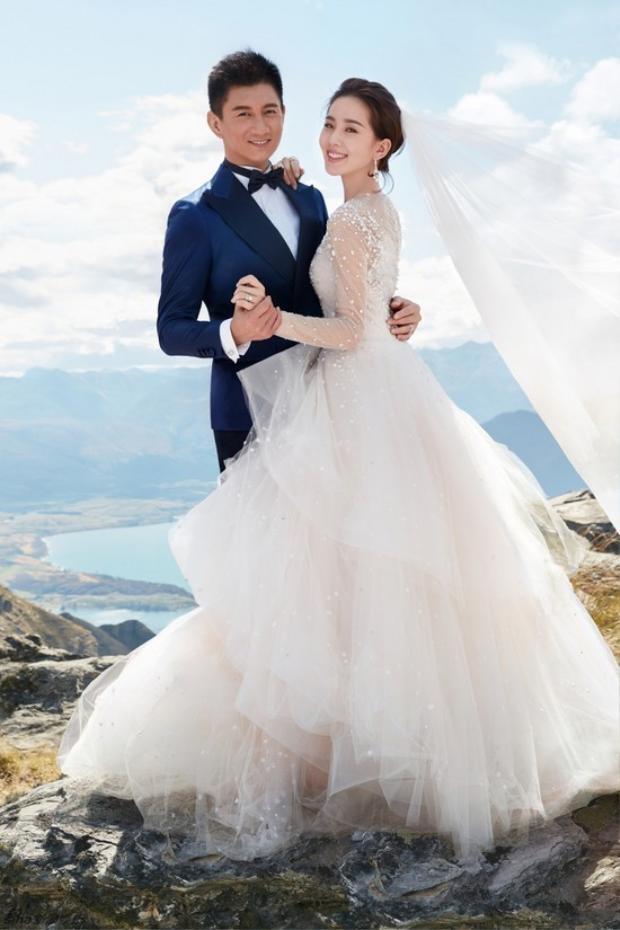 Bóc giá nhẫn và trang sức cưới của Lưu Thi Thi