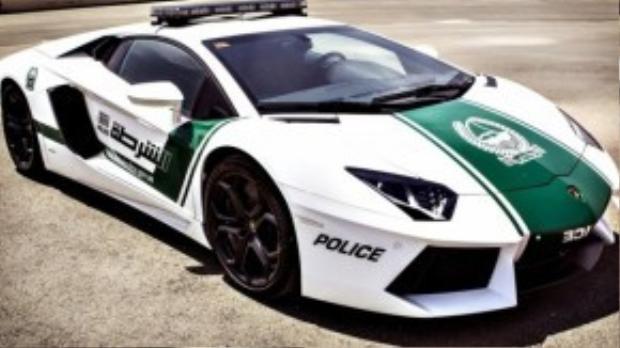 Dubai là thành phố duy nhất trên thế giới mà cảnh sát lái Lamborghini.