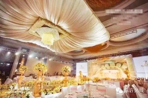 Đám cưới nhà người ta: khách mời được tặng iPhone, iPad, Mercedes-Benz