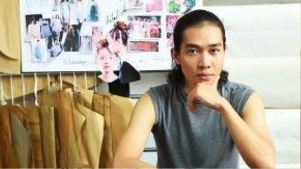 """Nhà thiết kế Nguyễn Hoàng Tú với bộ sưu tập """"No.06 Journey"""" đã nhuộm các sáng tạo của mình bằng hình ảnh của thiên nhiên."""