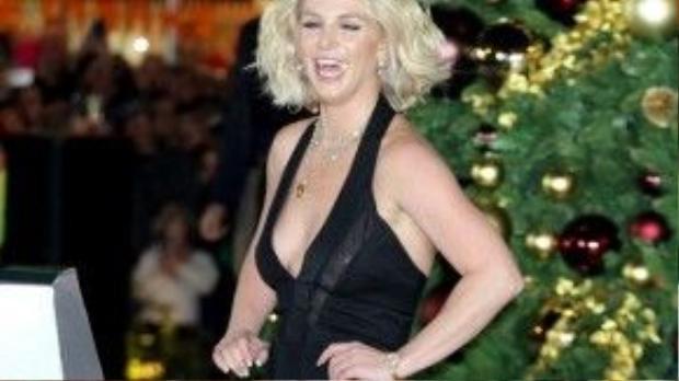 Britney Spears bị đồn nghiện xem phim sex.